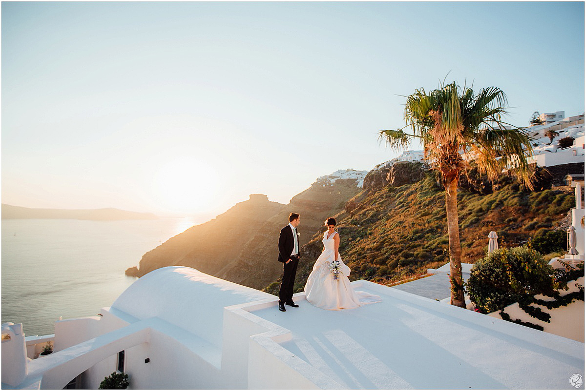 Hochzeit auf Santorini; Santorini Wedding photography; Wedding in Santorini; Santoriniwedding; Bluedomes wedding; Greek wedding; Dana Villas wedding on Santorini; Santorini Weddingphotographer; Hochzeit Santorini; Santorini Hochzeitsfotograf; Destination wedding in Santorini; Ceremony on Santorini; Santorini sunset wedding; Hochzeit in Griechenland; Monique Lhuillier wedding dress on santorini; Blue Domes Santorini Wedding