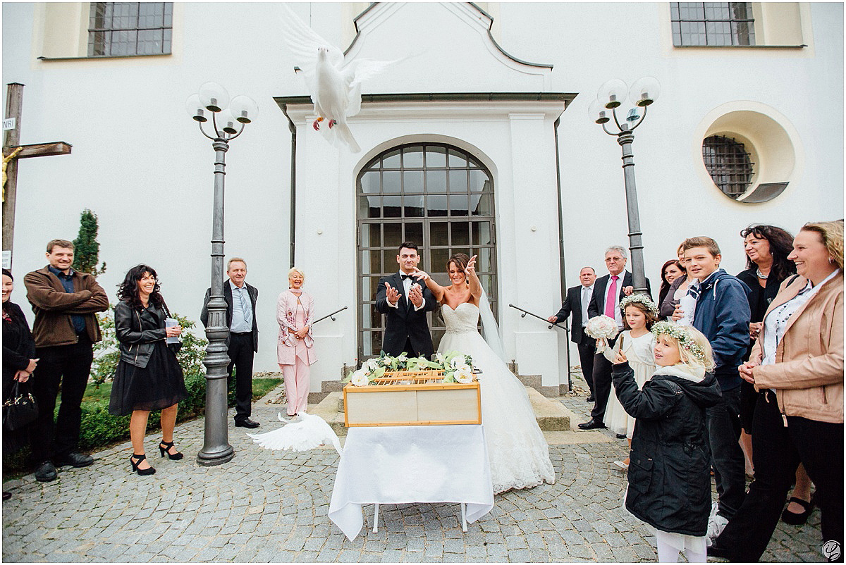 Hochzeit in Ingolstadt; Hochzeitsfotograf Ingolstadt; Hochzeitsfotos Ingolstadt; Demetrios Bride; Hochzeitsfotograf München; Hochzeitsfotos München; Ingolstadt Hochzeitslocation